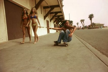 sidewalk-surfer-huntington-beach-1976